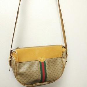 Vintage Authentic Gucci shoulder bag